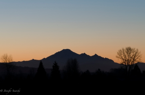 Beautiful Mount Baker, about a half hour before sunrise. 6.0sec, f25, ISO100